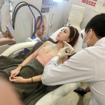 Jaw slimming with Dr Daniel Chang